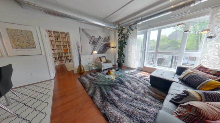 Remax 3000 inc. Mont-Royal in QC
