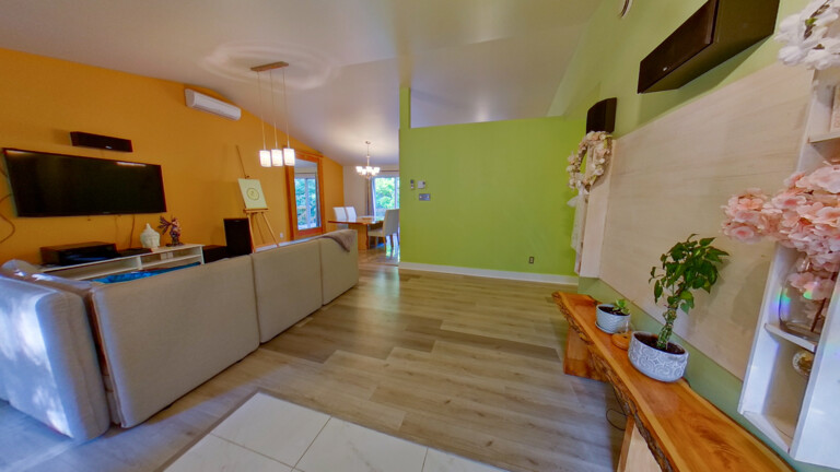 Re/Max Crystal Saint-Hippolyte in QC
