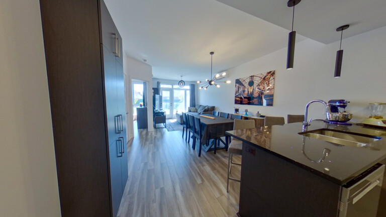 RE/MAX CRYSTAL Laval in QC